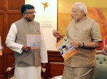 Modi Discusses Bsnl Revival Plan With Prasad
