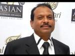 India S Largest Mall S Owner Uae Donates 9 5 Crore Kerala