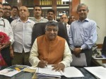 New Telecom Minister Says Govt Will Initiate 5g Trials In 100days