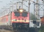 Railway-யை தனியாருக்கு தாரை வார்க்கும் மோடி அரசு.. அப்படியே மத்திய அரசையும் தனியாருக்கு வித்துருங்க!