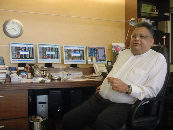Meet Rakesh who earned Rs.900 Crores in One Day
