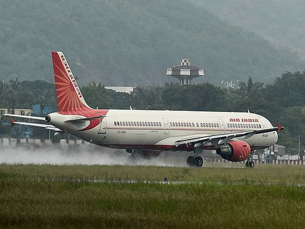 ஒழுங்கீனமான விமான சேவை நிறுவனங்களில் Air India முதலிடம்..! இந்திய அரசு அறிக்கை..!