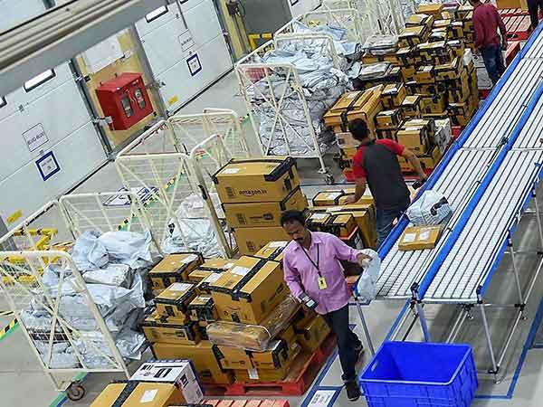 Amazon-ல் ஒரு மணி நேரத்துக்கு ரூ.120 கூலி..! வார சம்பளம் கொடுத்து மாணவர்களை கவறும் Amazon!