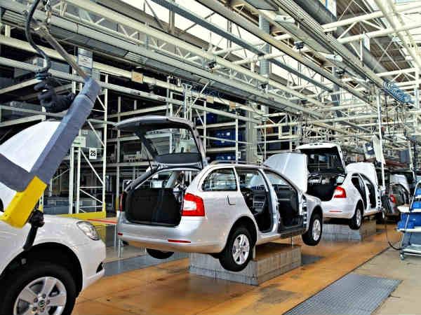 """automobile"" துறை வீழ்ச்சி குறித்து கவலை வேண்டாம்.. ""overall sector growth"" நன்றாக இருக்கிறது.."