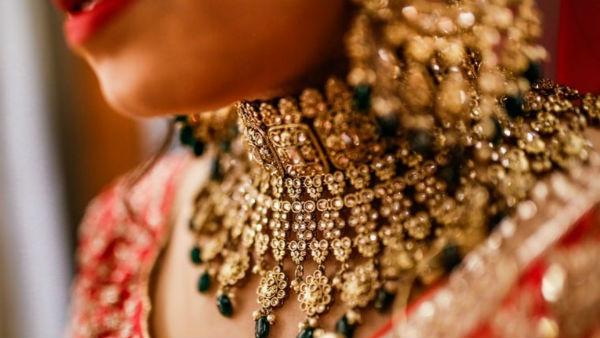 Chennai Gold rate: வரலாற்று உச்சத்தில் ஆபரண தங்கம் விலை! பவுனுக்கு எவ்வளவு?