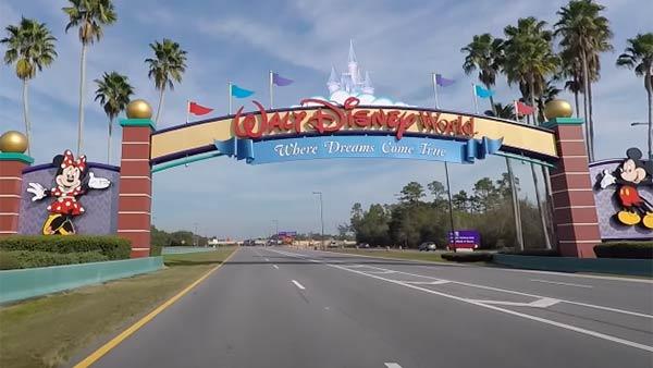 28,000 ஊழியர்களை வீட்டுக்கு அனுப்பும் Disney!