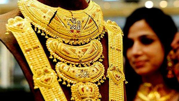 தங்கம் வாங்க இது சரியான நேரம் தான்.. சவரனுக்கு ரூ.216 சரிவு..மிஸ் பண்ணிடாதீங்க..!