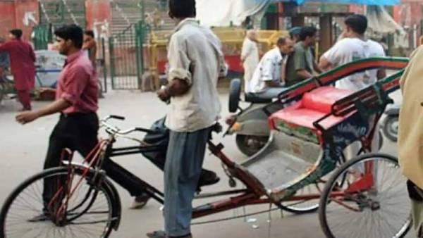 ரிக்ஷா ஓட்டுனருக்கு ரூ.3 கோடிக்கு வருமான வரி நோட்டீஸ்..உ.பியில் பரபரப்பு..!