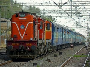 Railways Relaxes Minimum Qualification Group D Recruitment