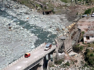 Over Rs 5 000 Cr Loss J K Due Floods Assocham
