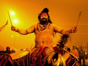 Infosys Ceo Vishal Sikka Meets Narendra Modi Commits 250 Mn
