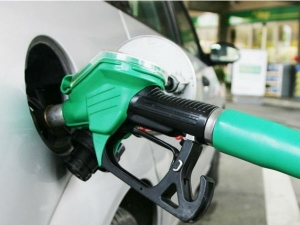Excise Collection On Petrol Diesel Up 50 At Rs 74 5k Cr