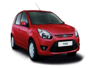 Ford Cuts Its Aspire Figo Car Price Upto Rs 91