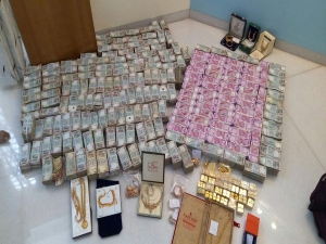Income Tax Dept Seizes Rs 2000 Notes From Last Month