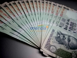 Currency Circulation Continues Contract