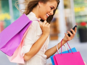 Shoppers India Use Their Smartphone Shopping Online