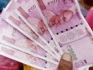 Soiled Or Imperfect Rs 200 Rs 2000 Notes Stuck Exchange Counter