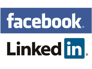 Looking A Job On Linkedin Give Facebook Chance