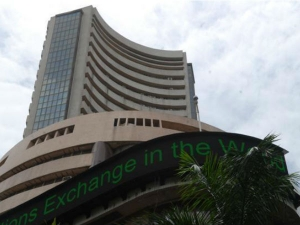 Sensex Ends Flat It Teck Stocks Major Gainers