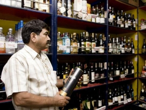 Highway Liquor Ban 1 Million Jobs Rs 200 Thousand Cr At Stake