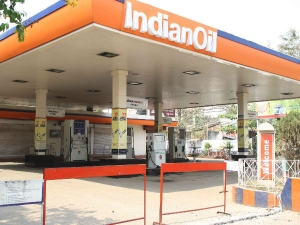 Petrol Pumps Threaten No Purchase No Sale Ahead New Pricing Syatem