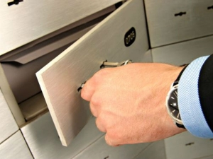 You Can Protect Your Belongings Bank Locker Through Householder Policy
