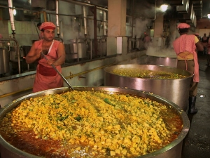 World S Largest Community Kitchen Faces Gst Heat Tamil