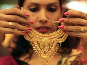 Gold Losing Sheen Daily Sales Dip 50 Despite Wedding Season