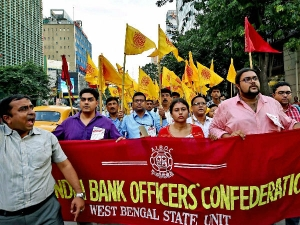 After Demonetisation Bank Employees Still Not Paid Overtime Threatens Legal Action And Strike