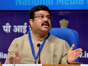 Fuel Prices May Come Down Diwali Dharmendra Pradhan