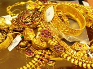 Demand Gold Jewellery Falls Around 30 On Diwali Dhanteras