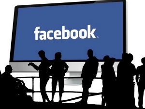 Facebook Rolls Job Posts Become The Blue Collar Linkedin
