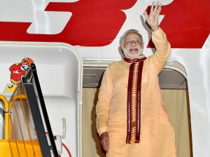 Pm Narendra Modi Went 41 Foriegn Trips 52 Countries 4 Years Spent Rs 355 Crore