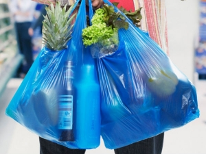Plastic Ban Maharashtra Industry At Loss Rs 15 000 Crore 3 Lakh Jobs