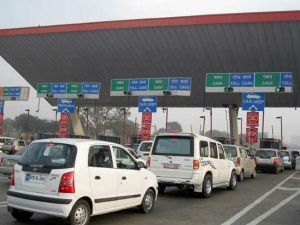 After 6 Months No More Long Waits At Tolls Tolls Have Operational Fast Tag Lanes Nitin Gadkari
