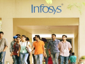 Infosys Increase Employees Salary Upto 120 How