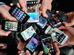 Techarc Estimated Around 15 Crore Smartphones Sales India