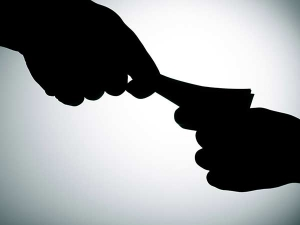 Bangaluru Income Tax Officer Arrested By Cbi In Bribery Case
