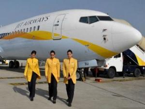 Jet Airways Employees Marched To Andheri Jet Airways Office From Mumbai International Ariport