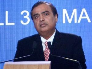 Reliance Q4 Profit Rises Rs 10 362 Cr