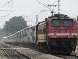 Railways 100 Day Plan Govt To Investment At Delhi Mumbai And Delhi Howrah Routes Over Rs 13500 Crore