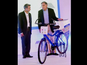 Tata Trusts Google Team Up Get More Rural Women On Net