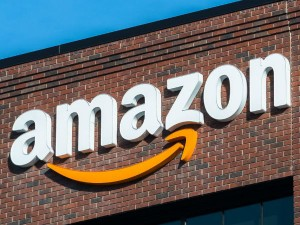 Amazon Become 900 Billion Market Capitalized Company After India Business Growth