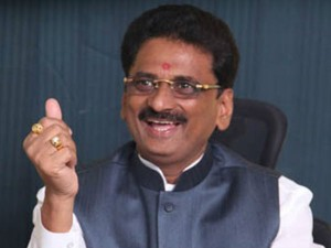 Maharashtra Businessman Fraudulently Took 5 400 Crores Loans In Farmers Name