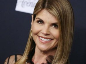 Lori Loughlin Paid Sum Amount Get Seat American Esteemed Institutions Like Yale Stanford