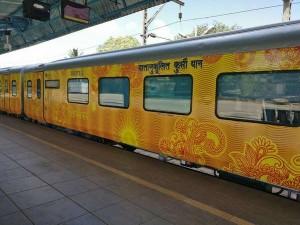 Newly Introduced Chennai To Madurai Tejas Train Facilities Are Bad Especially Food Wifi Neatness