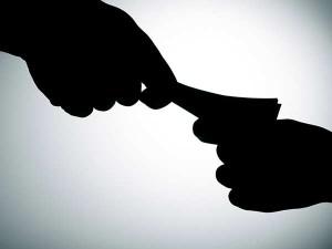 Bangaluru Income Tax Officer Arrested By Cbi In Bribery Case