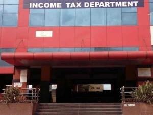 Mumbai It Dept Spent More Than Rs 1000 Crore For Rent Cag Report