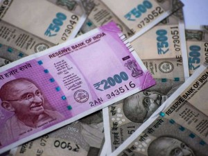 Rupee Again Starting Fall Today Opens Marginally Higher At 70 28 Aganist Dollar