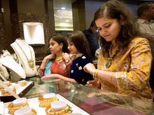 Gold Price Is Sky Rocketing Spdr Holding Alone 814 Ton Gold
